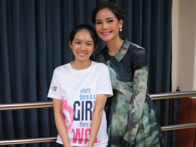 Megan representing the Girl Up group poses with special guest and Thai superstar - YaYa